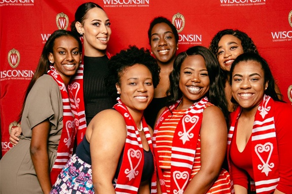 UW Madison Students posing for a picture